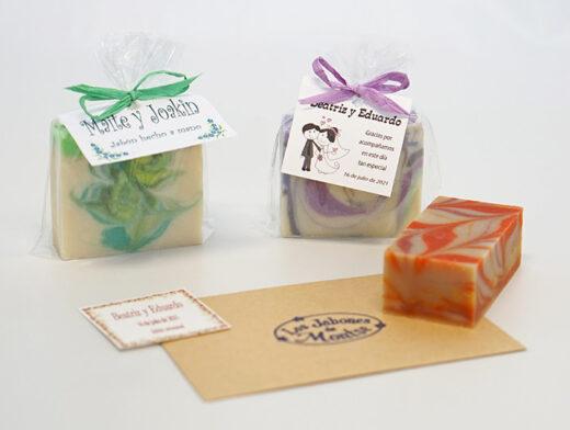 Jabones artesanales con tarjeta de regalo