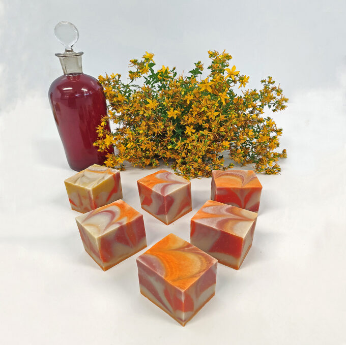 Jabón artesano de hipérico y caléndula